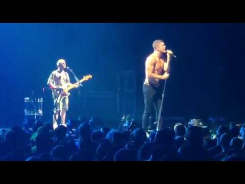 Download Lagu  Imagine Dragons - Born To Be Yours Full Band Debut live Camden 2018 Mp3 Free