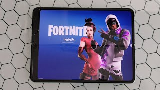 Samsung Galaxy Fold Fortnite Gameplay New Gaming Standard