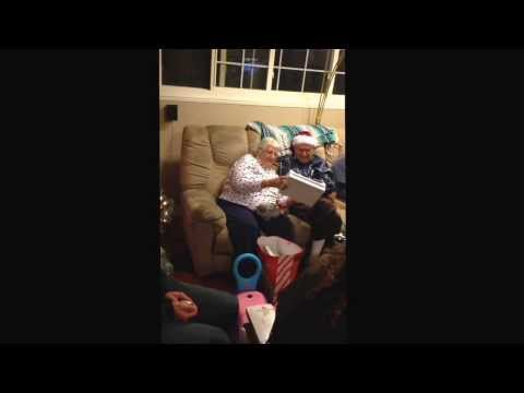 86 Year Old Grandma And 89 Year Old Grandpa Doing The Joe Boxer video