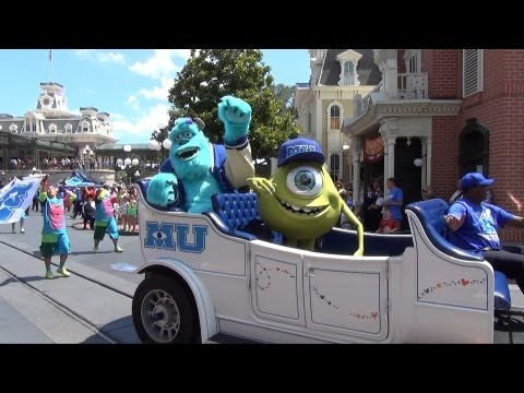 Monsters University Pre Parade with Mike Wazowski and Sulley, Monstrous Summer All-Nighter, WDW
