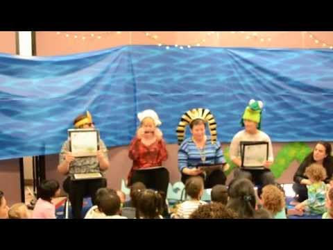 Beth Israel Preschool Crosses the Red Sea - 04/10/2014