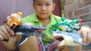 Đồ chơi trẻ em bé pin xe cá voi cá mập ăn gián ❤ PinPin TV ❤ Baby toys car whale shark cockroach