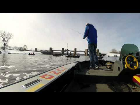 AdamWeberOutdoors  Mississippi River - Walleye FIshing March 2014 - Pool 4