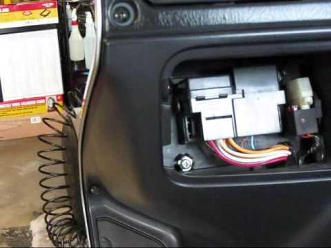 Burgman 650 - DIY - Air Filter Maintenance - YouTube