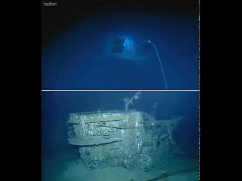 Exploring the Wreck Of  German U-boat U-166, 2 Camera Views
