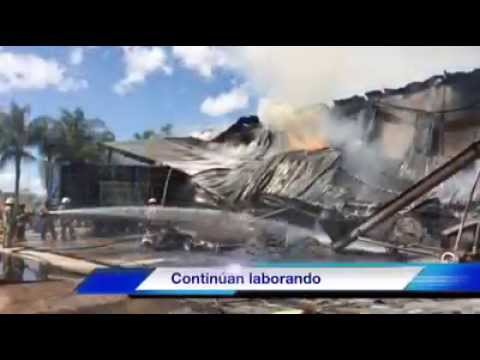 Incendio en recicladora de plástico y papel en el municipio de Tlaquepaque movilizó a bomberos
