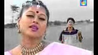 Amar Bondhu Moyuri   Sorif Uddin New bangla model hot song with sexy dance