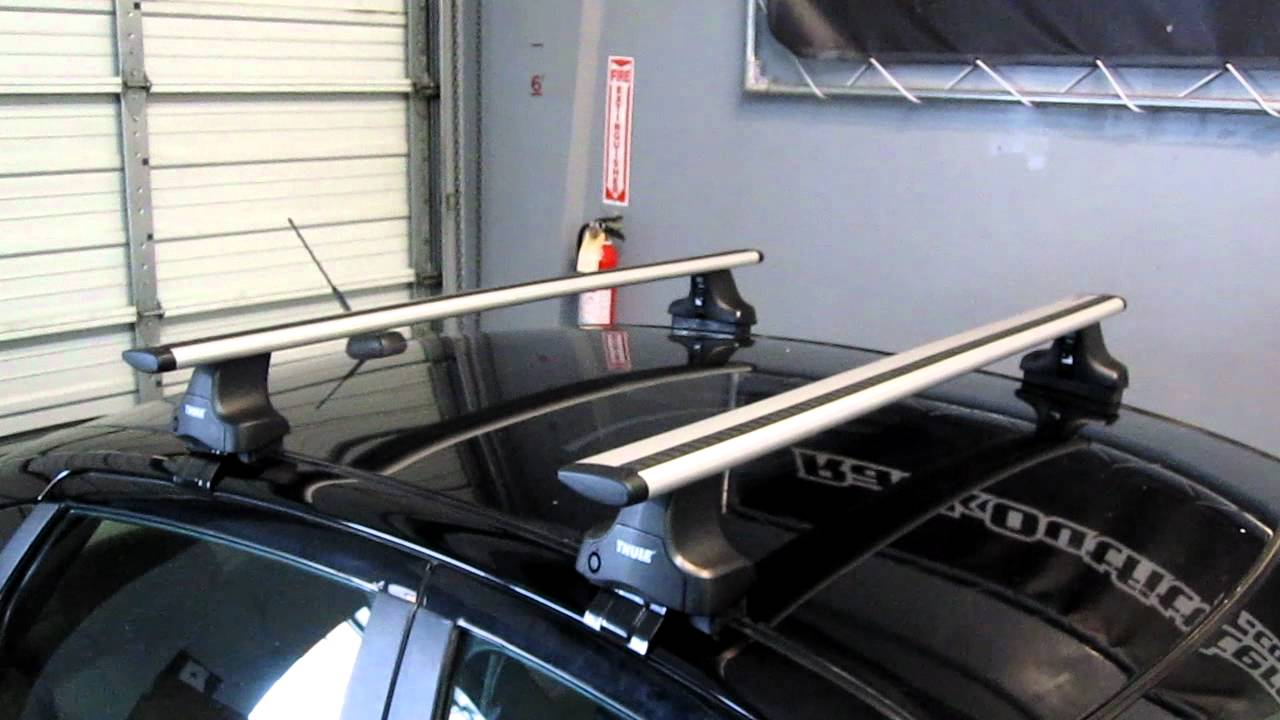 Ford Focus Sedan With Thule 480r Aeroblade Base Roof Rack