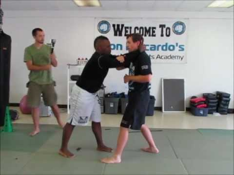 Muay Thai Kickboxing for MMA: Shadow Boxing, Thai Clinch Flow, Clinch Breaks Image 1