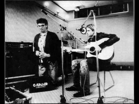 Nirvana - Here She Comes Now (Live Acoustic Radio Session 1991)