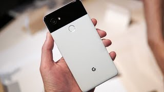 Google Pixel 2 and Pixel 2 XL First Look and Tour!