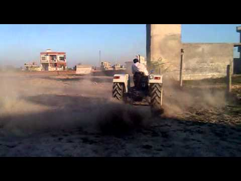 Punjabi Tractor Stunt video