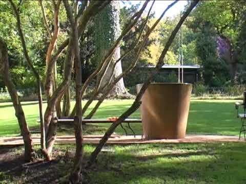 Eine Kleine Terrasse Im Alten Garten