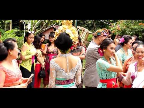 Balinese Wedding Ceremony Pawiwahan Agung & Dewi