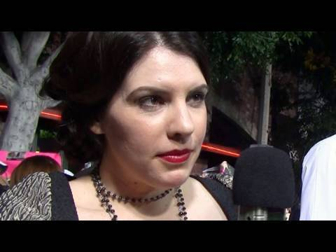 Stephenie Meyer On Twitter? [New Moon Premiere] Video