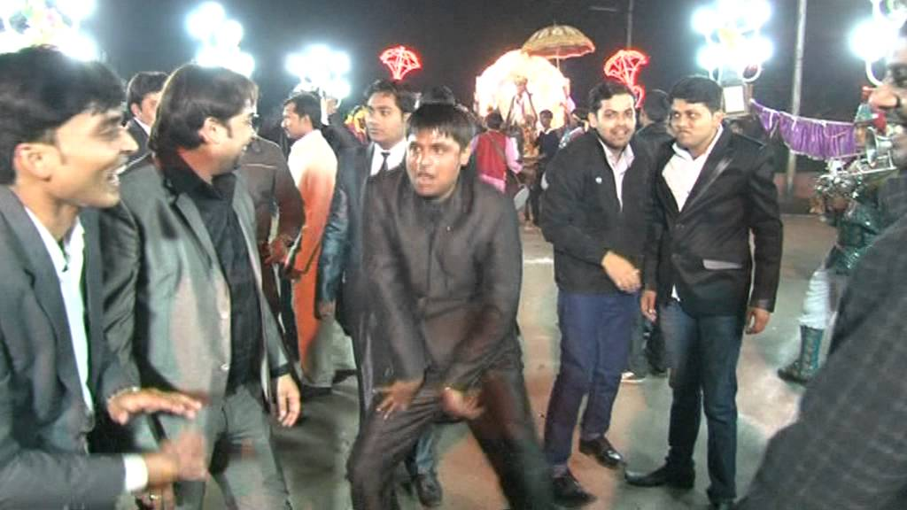 Few Dancing Steps By Akhilesh Yadav From Etawah UP At A Marriage In Gwalior