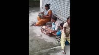 Sau saal pehle mujhe tumse pyar tha  by Ramdas & his daughters