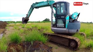 Excavator videos for children: Excavator Loading Digging Transporting Sand