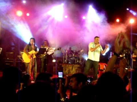 Aao twist Kare-Lucky Ali live  XIMB (Xpressions 2011)