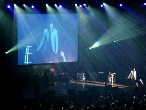 Atif Aslam Live Singing Tu Jaane Na....Washington D.C. 2010
