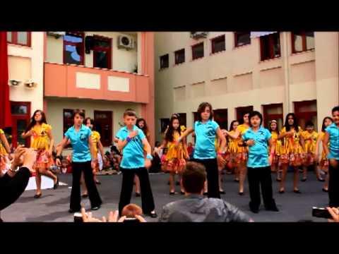 Gazi Mustafa Kemal İlkokulu 4. Sınıflar Dans ve Halk Oyunları Gösterisi-23 nisan 2013