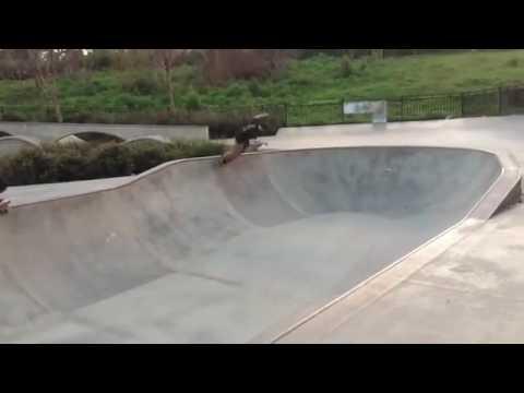 these dudes @thuggiedee & @pooptart are gnarly via @fuckingaverage | Shralpin Skateboarding
