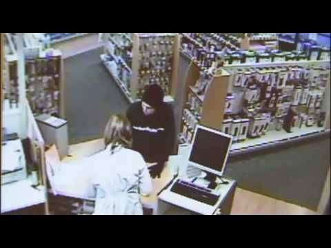 Pharmacist sprays robber in face with pepper spray... meant for GRIZZLY BEARS