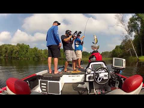 Fishing w/ Bryan Bickell & The Stanley Cup - Dave Mercer's Facts of Fishing 2014 Full Episode #9