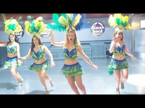 BDA2018: Samba performance by students at Laura & Xavi's school ~ video by Zouk Soul