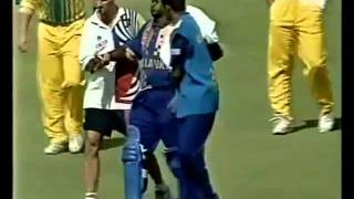 BROKEN ARM - Sanath Jayasuriya vs Brendon Julian WACA 1999