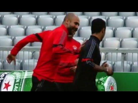 Pep Guardiola hat Spaß mit Thiago Alcantara: Schuften für's Comeback | FC Bayern München