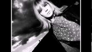 Watch Marianne Faithfull Greensleeves video