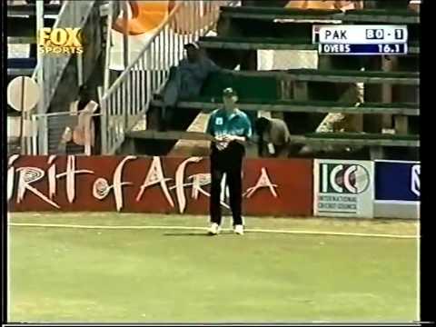 Saeed Anwar 104 Vs New Zealand 2000 video