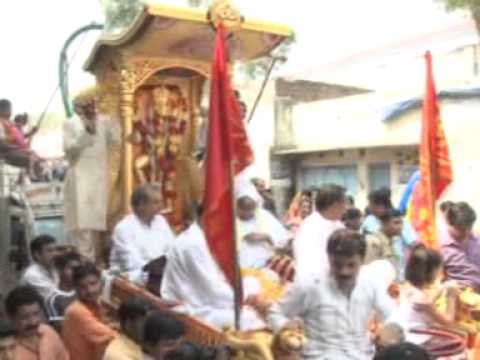 Maha Arti With Chappan Bhog And Rath Yatra Balaji Jayanti Deoband 2012 Part 5.mpg video