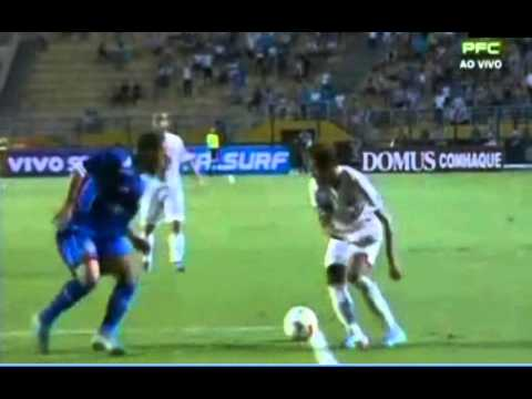 Neymar Crazy Skill Santos Vs Sao Caetano 04-04-2013 video