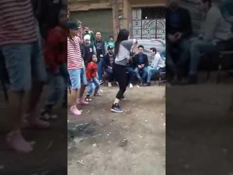 بنت ترقص شعبي على مهرجان الهلي بلي رقص دق وتكسير thumbnail