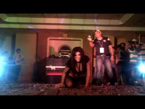 Sexy Striptease Latina Hot Booty