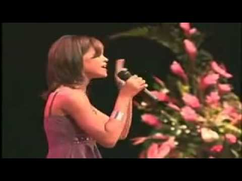Rihanna'nın İlk Sahneye Çıkışı - Song Hero - Robyn Fenty