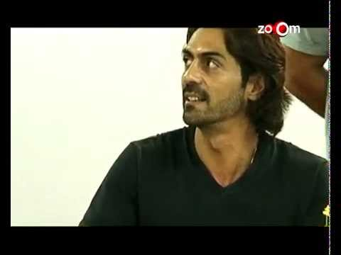 Arjun Rampal smartly tackling rumours! | Bollywood News