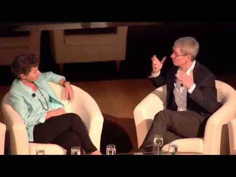 Apple CEO Tim Cook chats with Christiana Figueres [Exec Secretary, UNFCCC] on climate change