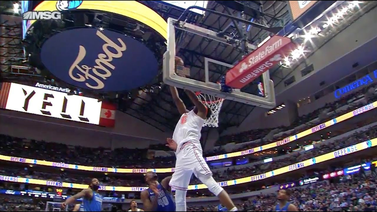 Mitchell Robinson Went For 180 Reverse On Alley-Oop