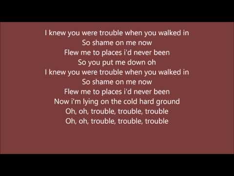 Taylor Swift - I Knew You Were Trouble( LYRICS on Screen) HD