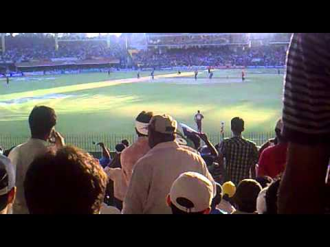darren sammy having fun with the crowd.mp4