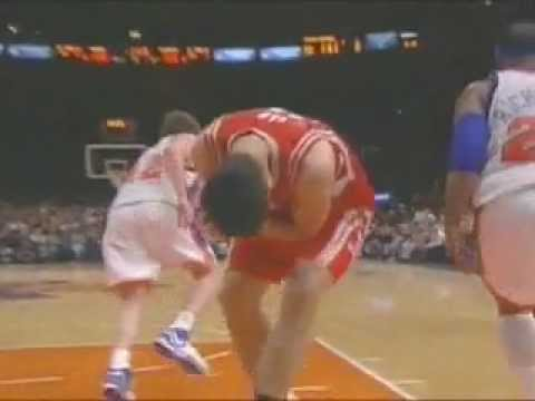 Nate Robinson Blocks Yao Video