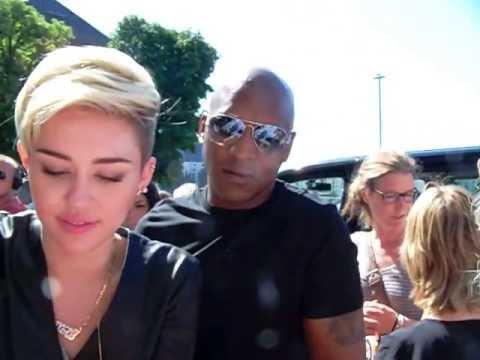 Miley Cyrus @ Sat 1 Frühstücksfernsehen