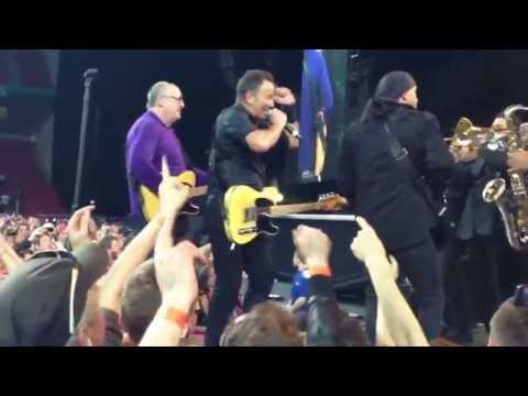Twist And Shout - Bruce Springsteen in Copenhagen (Parken May 14th 2013)