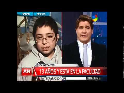 Tomás, un genio de 13 años que estudia matemática y habla tres idiomas