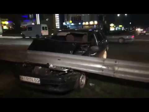 З місця події: у Києві легковик за годину двічі втрапив у ДТП
