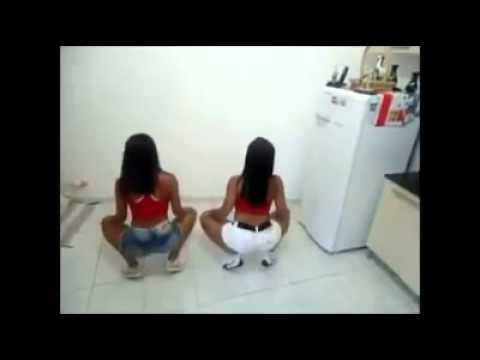 Two Girls Twerking sisters video