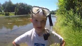 River Treasure Hunting Found GO PRO Selfie Stick & Diving Mask Plus huge School of Fish
